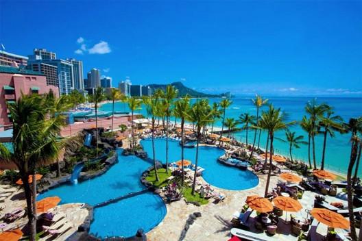 ShadyFace Film Crew Special Invitation To Showcase Sunshades to Hawaiian Tourists